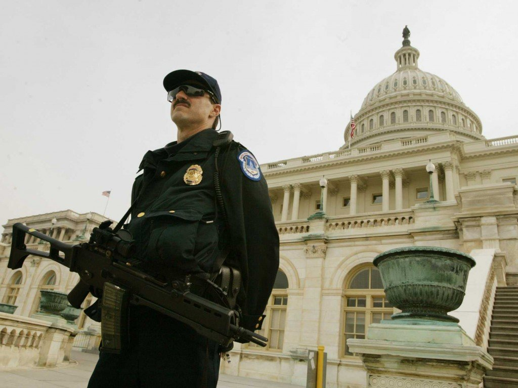 the roles of homeland security Fbi, cia, homeland security and the police departments: what individual roles do these bodies play in countering terrorism why were the fbi and the cia not a part of the homeland security agency how can i work in other countries' security forces like the police force, intelligence agency, cia, and fbi.