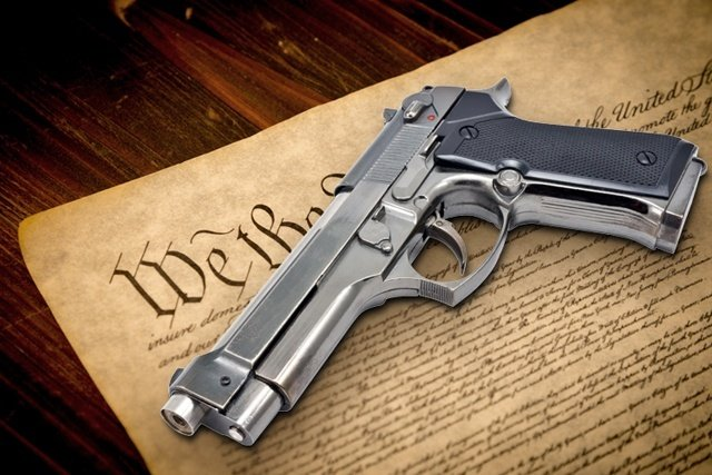 the rights to bear arms essay The second amendment and the right to bear arms: an exchange, 71 j of am  hist 587-92  obscure have published essay after essay dealing with various.